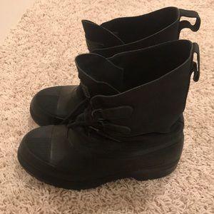 L.L. Bean snow shoes snow boots size 5